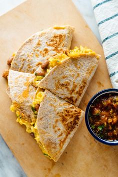 Looking to branch out of your breakfast rut? Try these delicious breakfast quesadillas! Looking to branch out of your breakfast rut? Try these delicious breakfast quesadillas! Quesadillas, Veggie Recipes, Mexican Food Recipes, Cooking Recipes, Healthy Recipes, Mexican Breakfast Recipes, Cheap Recipes, Skillet Recipes, Cooking Tools