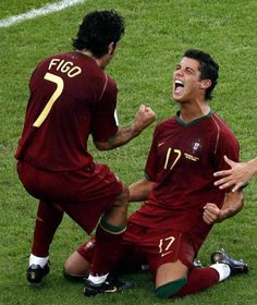 Figo and Cristiano Ronaldo - Portugal national football team Football Is Life, Football Soccer, Good Soccer Players, Football Players, Real Madrid, Portugal National Football Team, Ronaldo Goals, Cristiano Ronaldo Portugal, Portugal Soccer