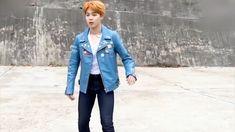 The jimin dance Bts Boys, Bts Bangtan Boy, Bts Jimin, Seokjin, Namjoon, Taehyung, Kpop Gifs, Les Bts, Park Ji Min