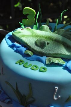 Fishing Party Cake  Boys Party Ideas  www.spaceshipsand... vintag fish, fish parti, fish birthday, fishing birthday, fishing party vintage, fishing party cake, parti idea, bday cake, boy birthday parties