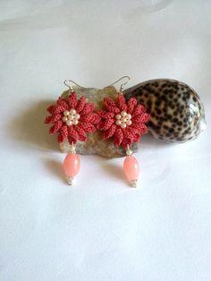 orecchini a uncinetto a fiore rosa antico di L'Alabastro Creazioni su DaWanda.com