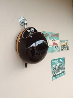 Helmet Hanger Diy Garage, Garage Storage, Storage Organization, Motorcycle Garage, Motorcycle Helmets, Japanese Apartment, Motorbike Accessories, Helmet Head, Garage Makeover