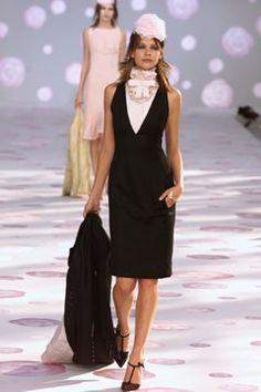 Chanel Spring 2002 Couture Fashion Show - Susan Eldridge at ELITE
