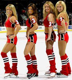 blackhawks-ice-crew09.jpg 666×746 pixels