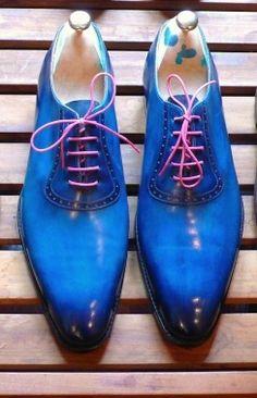 Maître bottier #bottier #soulier #menstyle #mensfashion #mensfootwear #luxury #calceophile #modemasculine #patine