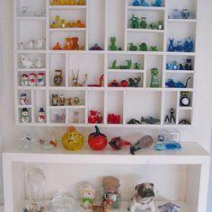Lego Display Shelf Design, Pictures, Remodel, Decor and Ideas Lego Storage, Cube Storage, Lego Display Shelf, Shelf Display, Ikea Toys, Antique Shelves, Lego Room, Creative Storage, Shelf Design