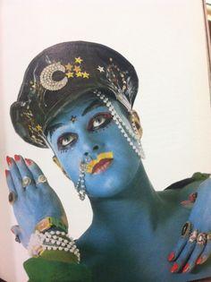 Leigh Bowery Blue Look Leigh Bowery, Blitz Kids, Inspiration Artistique, Pierrot, Queer Art, New Romantics, Madonna, Club Kids, Weird And Wonderful