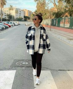 how to pair outfits Trendy Fall Outfits, Cute Comfy Outfits, Casual Winter Outfits, Winter Fashion Outfits, Retro Outfits, Look Fashion, Zara Fashion, Korean Fashion, Casual School Outfits