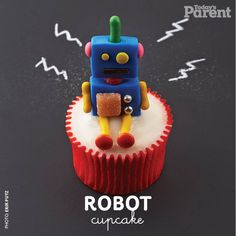 This robot cupcake is super easy to prepare! Robot Cupcakes, Robot Cake, Cookie Monster Cupcakes, Kid Cupcakes, Easter Cupcakes, Yummy Cupcakes, Birthday Cupcakes, Cupcake Cookies, Wedding Cupcakes