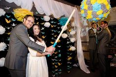 a wedding pinata?!  people are getting creative thse days. i like it.