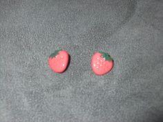 lot de 2 boutons en forme de fraise rose rouge : Boutons par tart-in