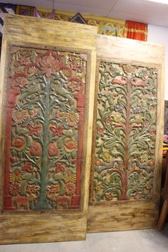 Old world antique doors brings nostalgic mystique to bedrooms, transforming them into chambers of antiquity. Door Coffee Tables, Rustic Bookshelf, Indian Interiors, Brass Statues, Minimalist Room, Pooja Rooms, Antique Doors, Unusual Art, Stone Sculpture