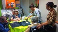 La méthode Montessori propose un accompagnement des personnes âgées présentant… Dementia Care, Maria Montessori, Respect, Fondant, Montreal, Centre, Coaching, Sport, Salud