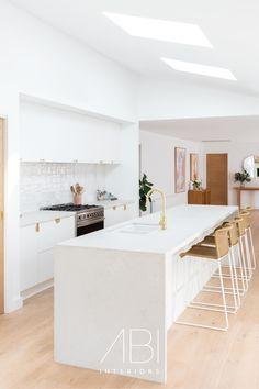 Kitchen Room Design, Modern Kitchen Design, Home Decor Kitchen, Kitchen Living, Kitchen Interior, New Kitchen, Kitchen Mixer, Kitchen Ideas, Beach House Kitchens