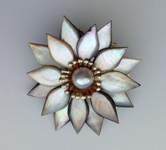 SALE Vintage Flower Pin / Brooch  Pearl by KimmiesKollections