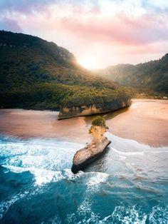 travelgurus:Punakaiki New Zealand