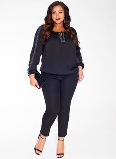 Frida Plus Size Blouse Trendy Curvy | Plus Size Fashion | Fashionista | Shop online at www.curvaliciousclothes.com TAKE 15% OFF Use code: SVE15 at checkout