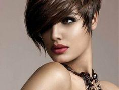 coiffure-courte-cheveux-blonds-modele-coupe-courte-femme-coupe-courte-degradee