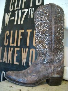 sequined cowgirl boots!!