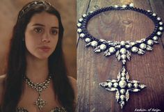 In the seventeenth episode Mary wears this Ellen Conde Pearl...