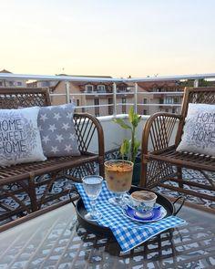 Teras, Balkon oturma grubu Outdoor Sofa, Outdoor Furniture, Outdoor Decor, Modern, Home Decor, Trendy Tree, Decoration Home, Room Decor, Home Interior Design