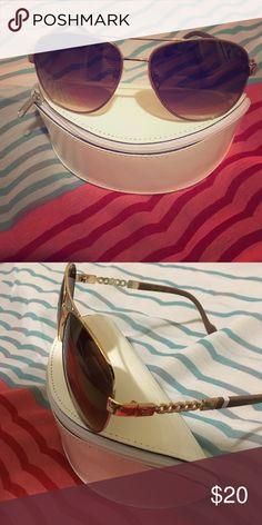 Jessica Simpson Sunglasses Aviator style Jessica Simpson sunglasses Jessica Simpson Accessories Glasses