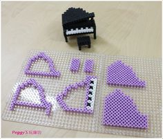 3D Piano perler beads by Peggy Wu - http://blog.xuite.net/peggyknitting/0511/311156799