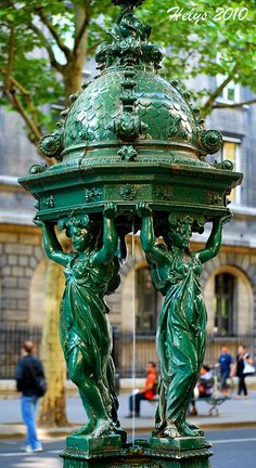 Fontaine Wallace ~ Paris, France - Les fontaines Wallace sont des points d'eau… Paris Greens