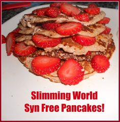 Slimming World syn free pancakes (healthy sweet treats slimming world) Slimming World Pancakes, Slimming World Puddings, Slimming World Cake, Slimming World Desserts, Slimming World Breakfast, Slimming World Recipes, Slimming Eats, Syn Free Pancakes, Healthy Eating Recipes