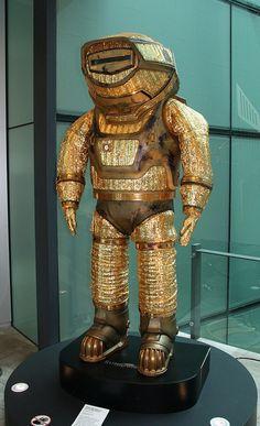 "The ""Kenny"" Suit, from the movie Sunshine. Movie Sunshine, Owlturd Comics, Steampunk Armor, Space Fashion, Retro Futuristic, Sci Fi Characters, Sci Fi Movies, Space Travel, Sci Fi Fantasy"