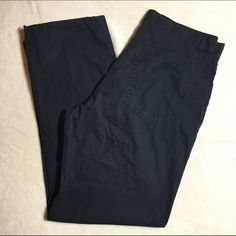 Calvin Klein Black Capris Good condition!!! Very comfortable. 100% cotton! Calvin Klein Pants Capris