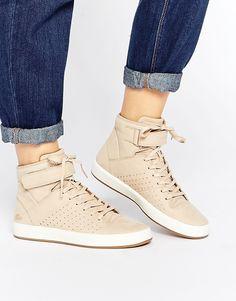 d10ed492f9 Lacoste Tamora Hi 1 Beige Leather Sneakers. Baskets En CuirChaussures De  Basket En CuirChaussures Avec ...