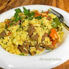Esta receta de arroz con ternera al curry se puede preparar también con carne de cerdo o de pollo. Es un plato muy aromático y especial.