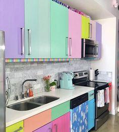 Najbardziej kolorowe mieszkanie świata | Mieszkanicznik od podszewki