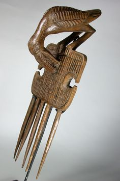 Africa | Comb from the Senufo people of the Ivory Coast | Wood | 1960