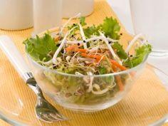 Ensalada de brotes de soja y algas wakame
