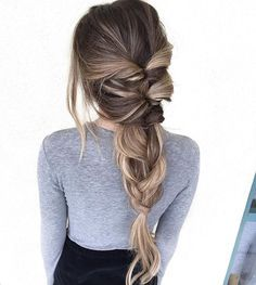 Twisted Pull Through Braid Ponytail - Everyday Hairstyles for Women Long Hair - Beauty Hair Color Balayage, Bronde Balayage, Pretty Hairstyles, Easy Hairstyles, Hairstyle Ideas, Modern Hairstyles, Spring Hairstyles, Hairstyles 2018, Loose Braid Hairstyles
