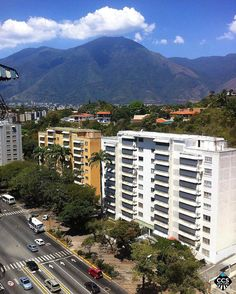 Te presentamos la selección del día: <<AVILA>> en Caracas Entre Calles. ============================  F E L I C I D A D E S  >> @marycarmen70 << Visita su galeria ============================ SELECCIÓN @mahenriquezm TAG #CCS_EntreCalles ================ Team: @ginamoca @huguito @luisrhostos @mahenriquezm @teresitacc @marianaj19 @floriannabd ================ #avila #elavila #Caracas #Venezuela #Increibleccs #Instavenezuela #Gf_Venezuela #GaleriaVzla #Ig_GranCaracas #Ig_Venezuela #IgersMiranda…