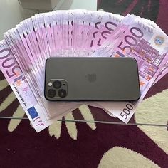 You don't have to lose your money in trading binary options, all you need is a reputable professional who can help you trade and manage your account My Money, Make Money Fast, Make Money From Home, Money Girl, Rich Money, Gold Money, Money Today, Rich Kids, Perfume Collection