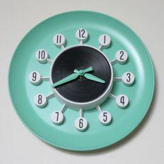 vintage SPARTUS wall clock - atomic style