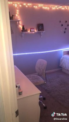 Neon Bedroom, Cute Bedroom Decor, Room Design Bedroom, Bedroom Decor For Teen Girls, Teen Room Decor, Room Ideas Bedroom, Rich Girl Bedroom, Modern Teen Bedrooms, Aesthetic Room Decor