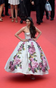 Sonam Kapoor in Dolce & Gabbana, 2013 - The Most Stunning Cannes Film Festival Gowns of All Time  - Photos
