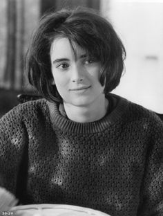 Winona Ryder in Welcome Home, Roxy Carmichael Winona Ryder 90s, Johnny And Winona, Winona Ryder Style, Susanne Bormann, Winona Forever, Androgynous Hair, Fancy Braids, Johny Depp, Trendy Haircuts