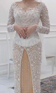 Kebaya Modern Hijab, Kebaya Muslim, Model Kebaya Modern, Kebaya Wedding, Muslimah Wedding Dress, Model Dress Kebaya, Wedding Hijab Styles, Bride Reception Dresses, Kebaya Lace