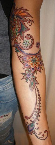 henna/iznik inspired brown tattoo done by Barbara Swingaling (Swingaling Tattoo/Classic ink & mods-Antwerp/Amsterdam)