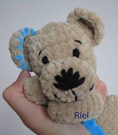 Riel / Háčkovaný medvedík Peťko
