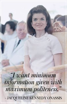 Explore famous, rare and inspirational Jackie Kennedy quotes. Here are the 10 greatest Jackie Kennedy quotations on happiness, struggle, politics and life. Jacqueline Kennedy Onassis, John F Kennedy, Jackie Kennedy Quotes, Jackie Kennedy Style, Les Kennedy, Jaqueline Kennedy, Rose Kennedy Quotes, Lee Radziwill, Die Kennedys
