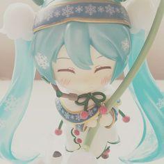 She finally arrived! Miku Hatsune Snow Bell Ver. Nendoroid.