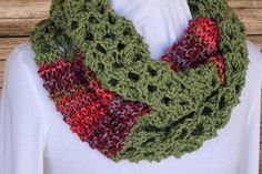 Knit Cowl Pattern using medium weight yarn | Kimberlees Korner