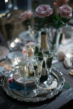 Alcoholic Drinks, Table Settings, Table Decorations, Glass, Photos, Home Decor, Pictures, Decoration Home, Drinkware
